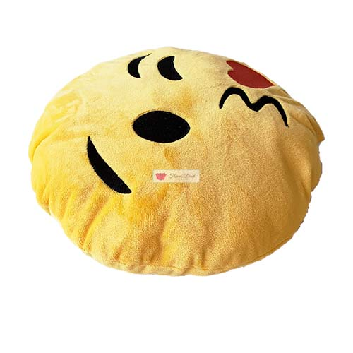 emoji pillow kiss